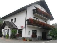 Sobe, rooms, prenočišča Šmarješke Toplice - Sobe Brulc