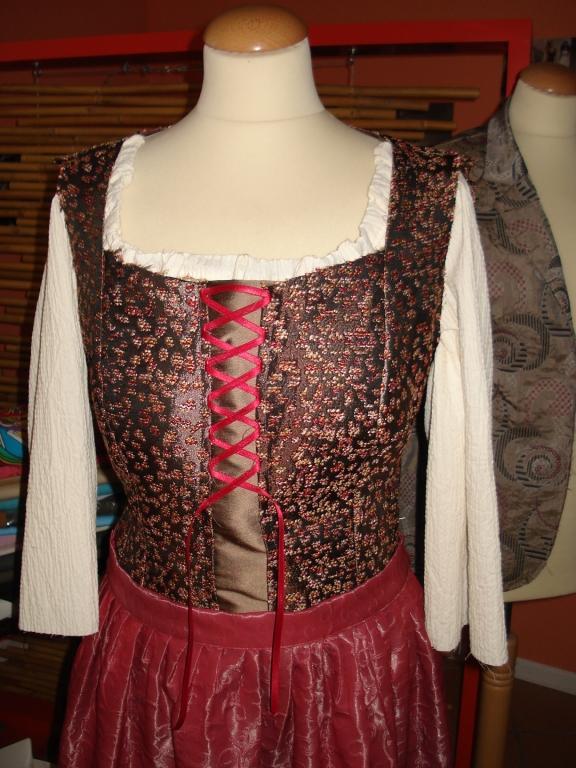Ženska, moška oblačila po meri, modna oblačila, folklorna oblačila, svečane obleke, elegantne obleke, Primorska gallery photo no.67