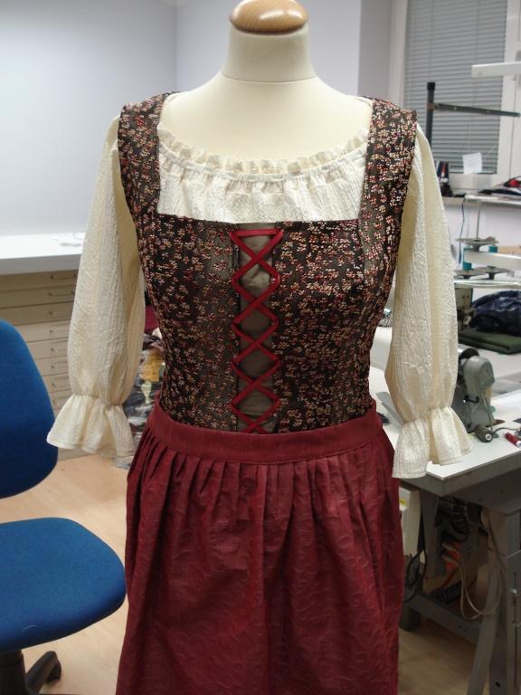 Ženska, moška oblačila po meri, modna oblačila, folklorna oblačila, svečane obleke, elegantne obleke, Primorska gallery photo no.68