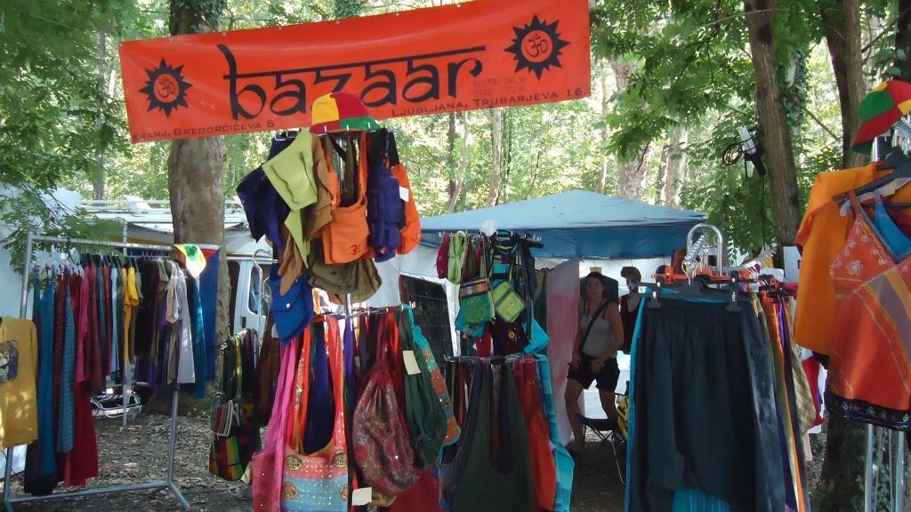 Bazaar gallery photo no.2