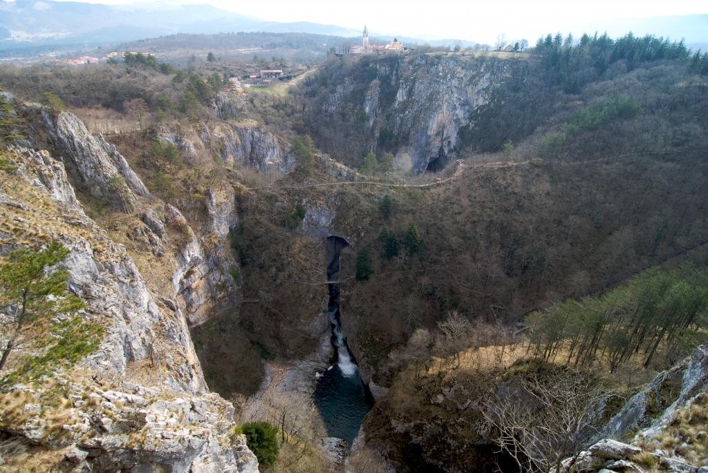 Gostilna Mahnič  v Parku Škocjanske jame gallery photo no.3