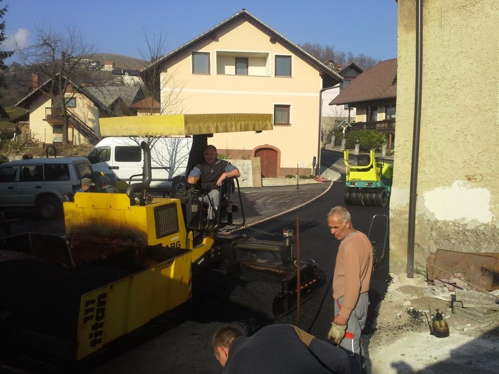 Asfaltiranje in urejanje dvorišč Manas, Andrej Miklič s.p., Novo Mesto gallery photo no.4