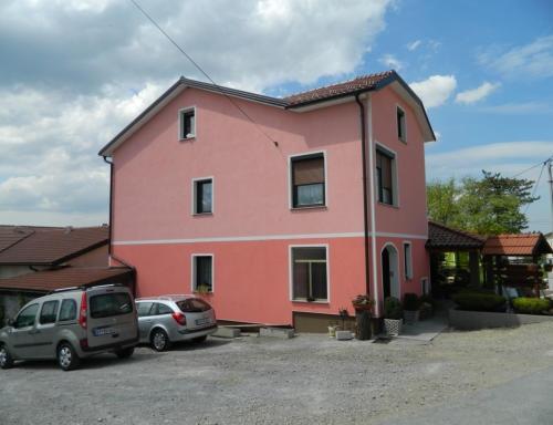Družinska kmetija Štemberger, gozdne gobe, meso eko jagnjetinje, Ilirska Bistrica gallery photo no.13