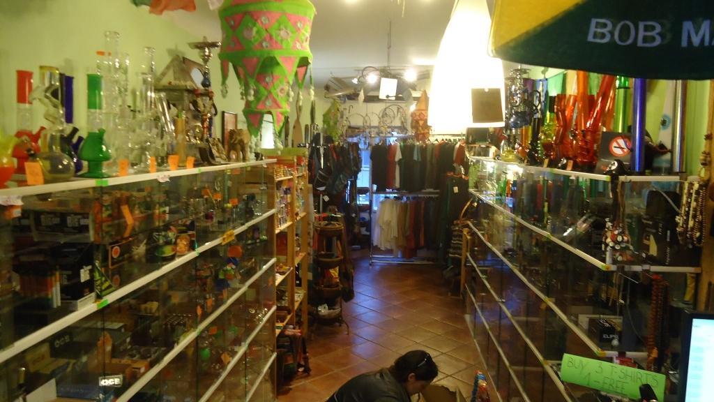 Bazaar gallery photo no.1