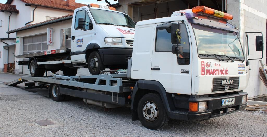 Avto Martinčič, Popravilo avtomobila po toči, Ilirska Bistrica, Obala Kras gallery photo no.11