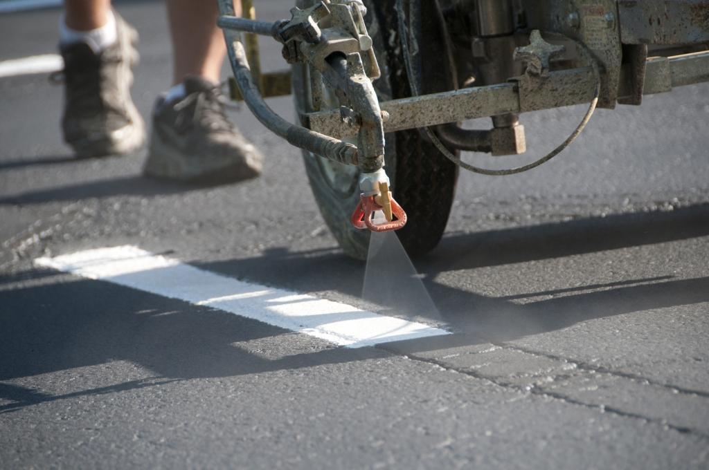 Barvanje talnih označb, barvanje cestnih črt, barvanje parkirišč gallery photo no.8