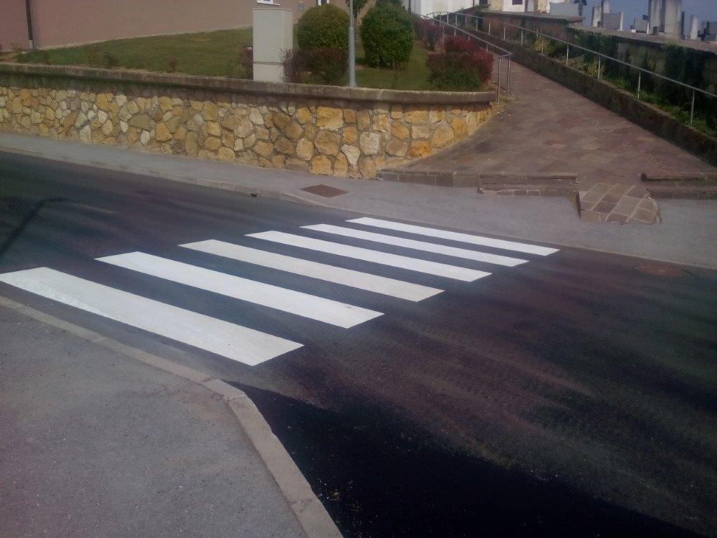 Barvanje talnih označb, barvanje cestnih črt, barvanje parkirišč gallery photo no.13