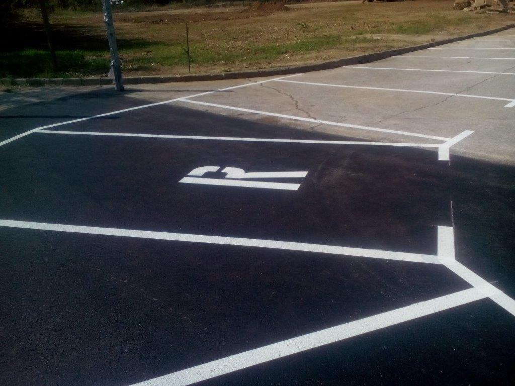 Barvanje talnih označb, barvanje cestnih črt, barvanje parkirišč gallery photo no.15