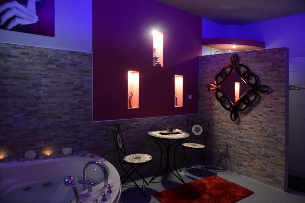Erotična masaža Body to body, masažni salon Crystal, Koper gallery photo no.0