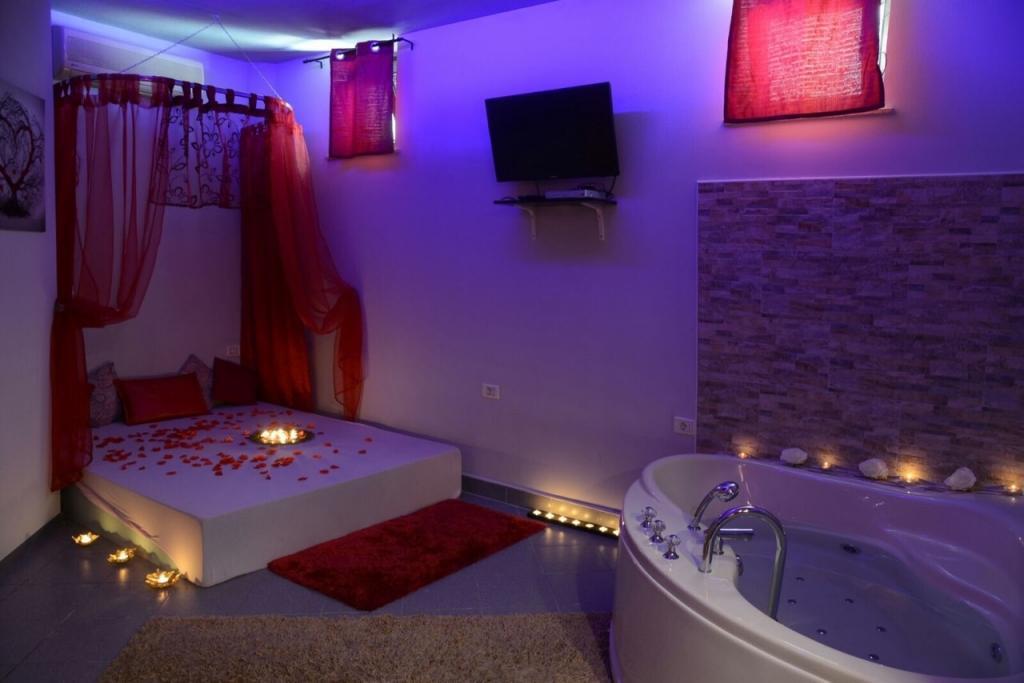 Erotična masaža Body to body, masažni salon Crystal, Koper gallery photo no.3