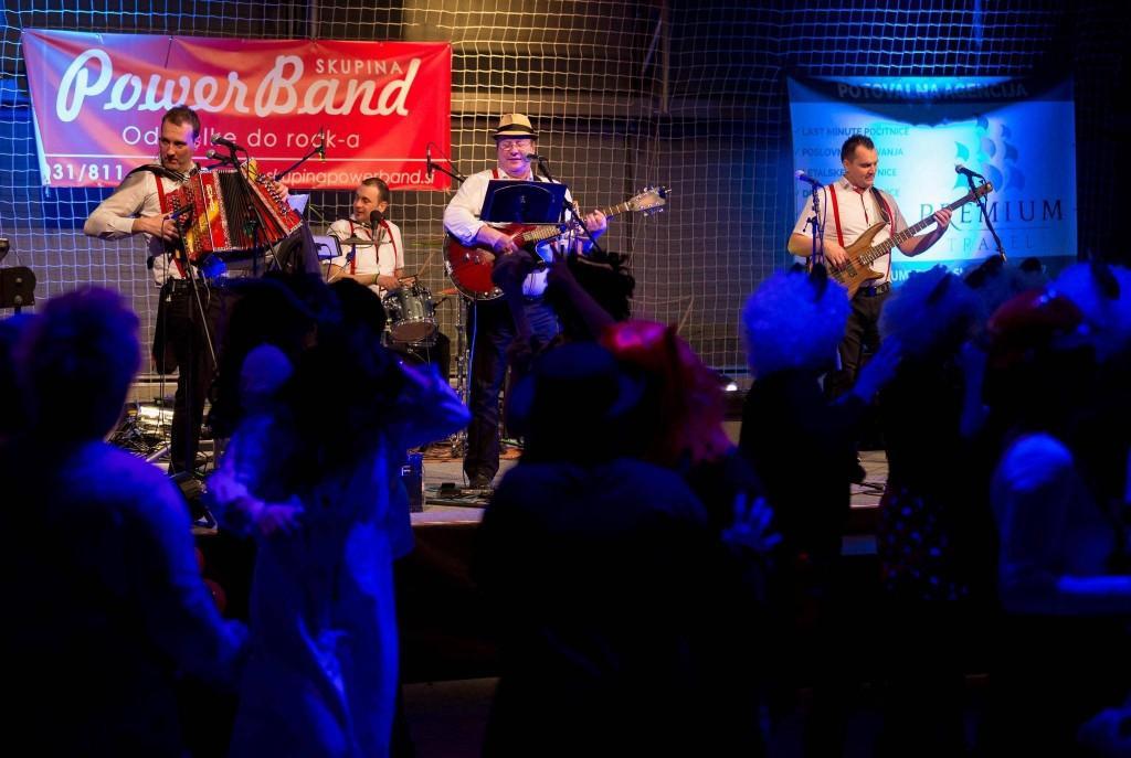 Glasba za zaključene družbe, glasba za poroke, dober band za poroko - Skupina Power Band gallery photo no.3