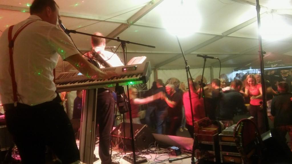 Glasba za zaključene družbe, glasba za poroke, dober band za poroko - Skupina Power Band gallery photo no.6