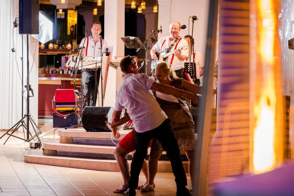 Glasba za zaključene družbe, glasba za poroke, band za poroko - Skupina Power Band gallery photo no.14