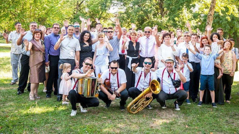 Glasba za zaključene družbe, glasba za poroke, dober band za poroko - Skupina Power Band gallery photo no.8