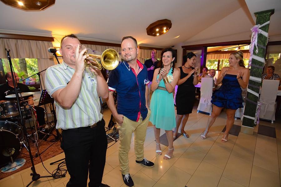 Glasba za zaključene družbe, glasba za poroke, dober band za poroko - Skupina Power Band gallery photo no.20