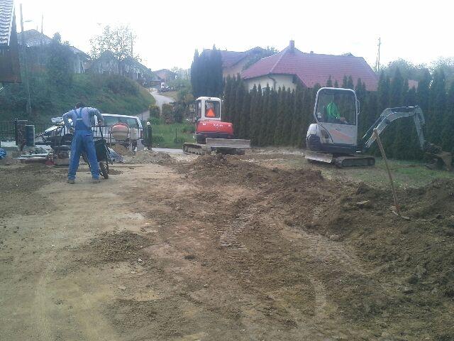 Gradbena dela, tlakovanje, izkopi, MOG Slekovec d.o.o., Pomurje gallery photo no.13