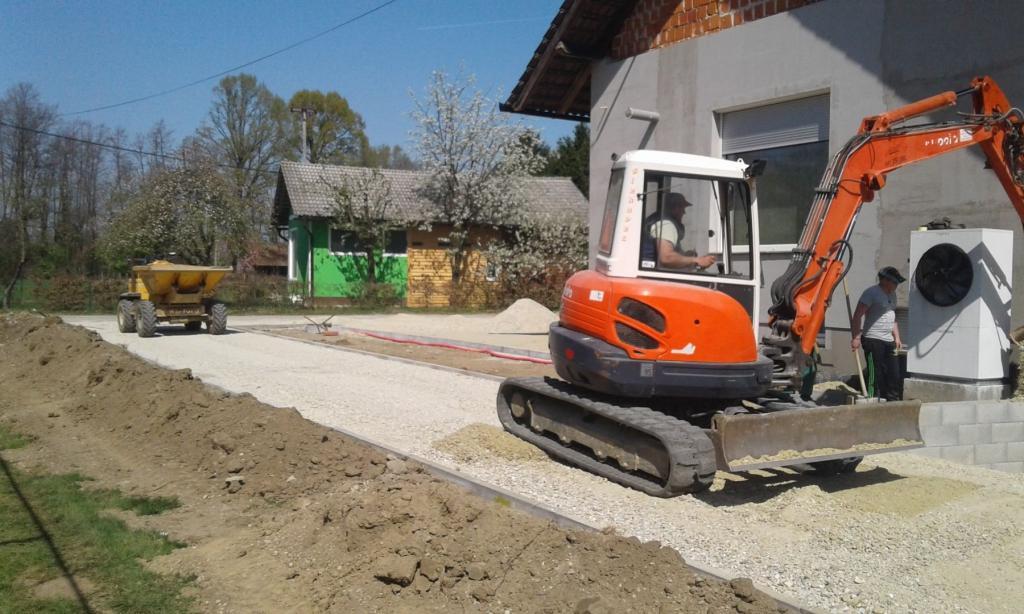 Gradbena dela, tlakovanje, izkopi, MOG Slekovec d.o.o., Pomurje gallery photo no.16