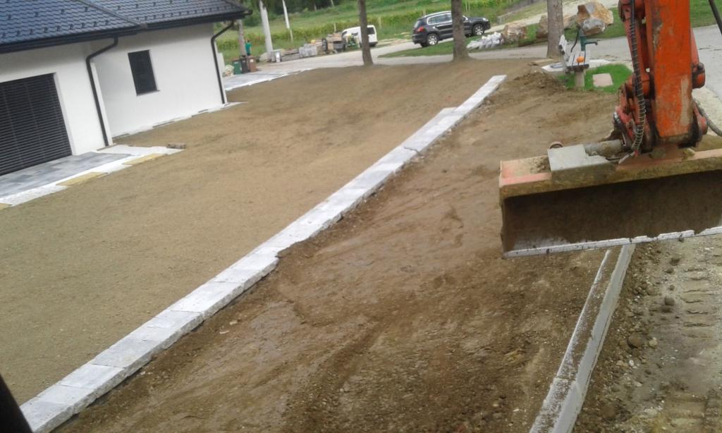 Gradbena dela, tlakovanje, izkopi, MOG Slekovec d.o.o., Pomurje gallery photo no.17