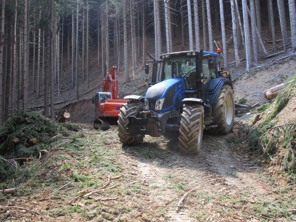 Gradnja gozdnih vlak, gradnja gozdnih cest - BAGOZD d.o.o. gallery photo no.5
