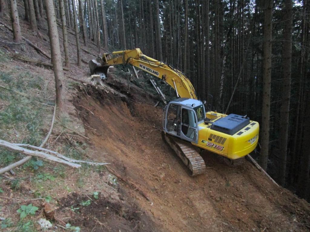 Gradnja gozdnih vlak, gradnja gozdnih cest - BAGOZD d.o.o. gallery photo no.12