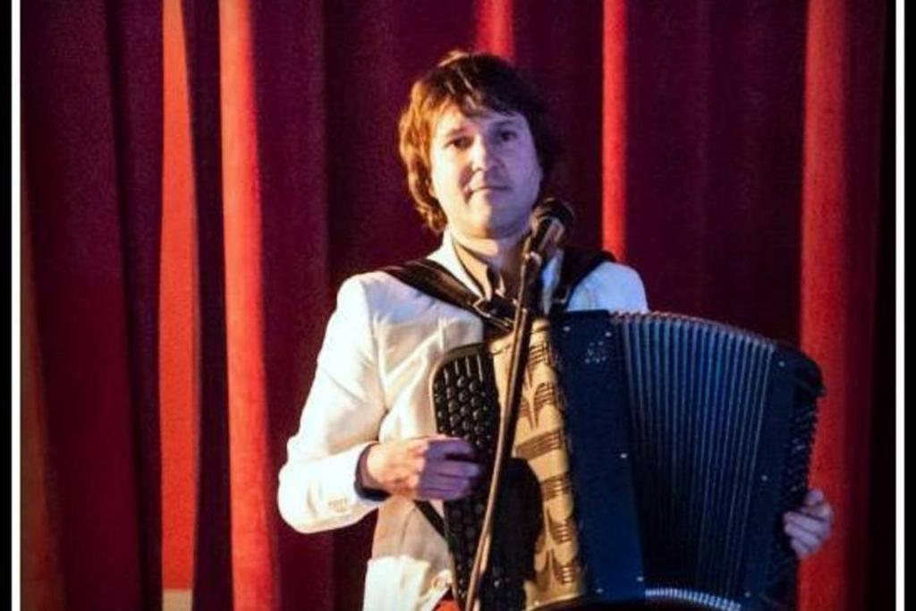 Rihard harmonikar - instrumentalist - avtor - pevec gallery photo no.1