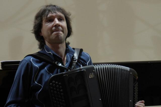 Rihard harmonikar - instrumentalist - avtor - pevec gallery photo no.2