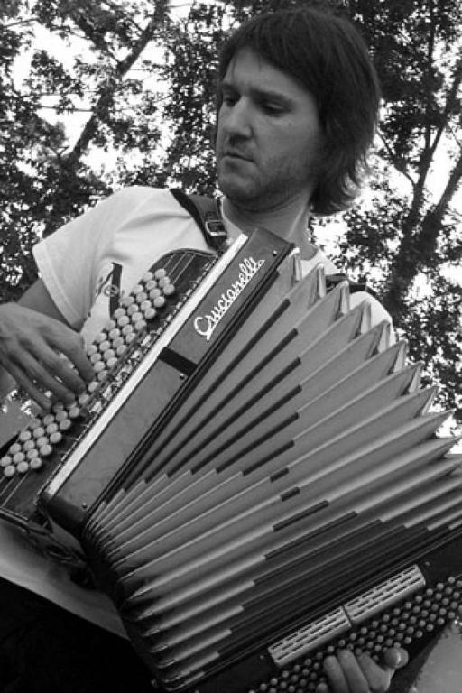 Rihard harmonikar - instrumentalist - avtor - pevec gallery photo no.5
