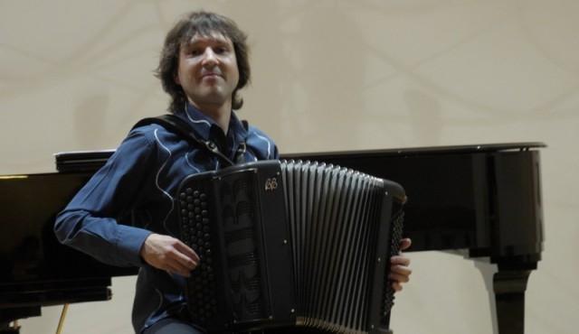 Rihard harmonikar - instrumentalist - avtor - pevec gallery photo no.9