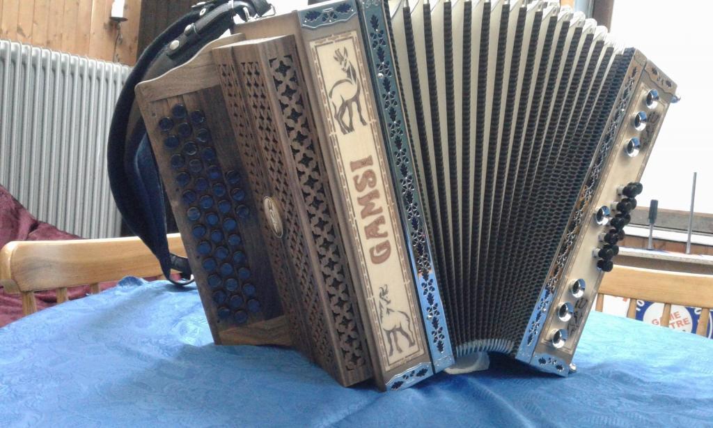 Izdelava diatonične harmonike - Harmonike Gamsi gallery photo no.1
