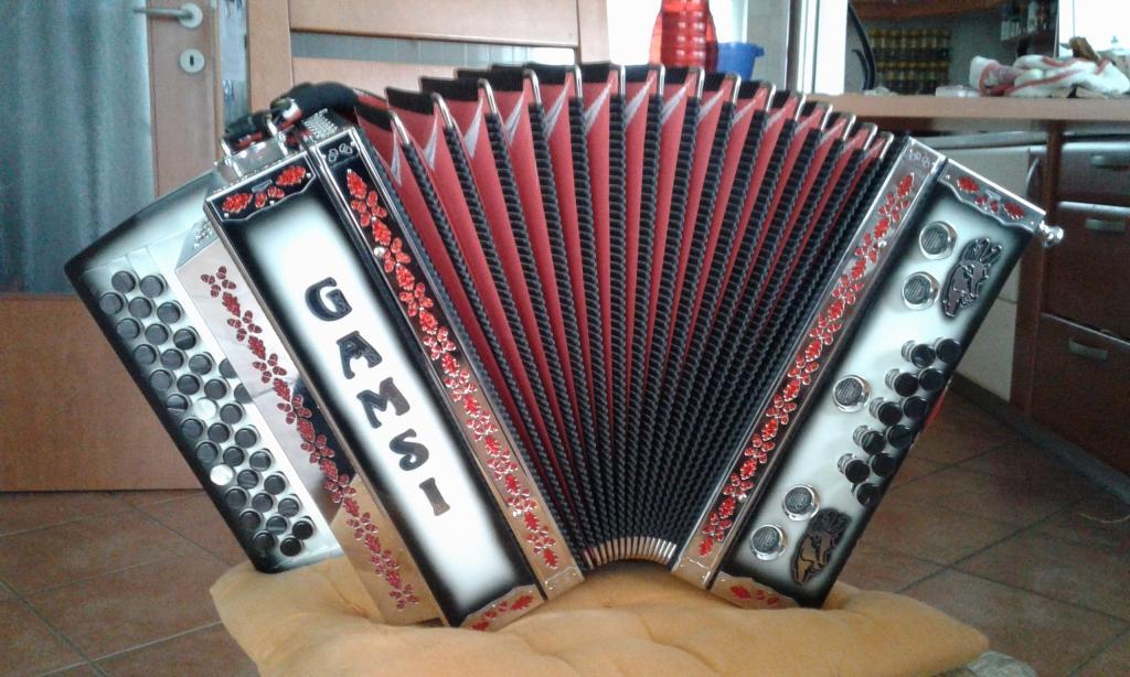 Izdelava diatonične harmonike - Harmonike Gamsi gallery photo no.4