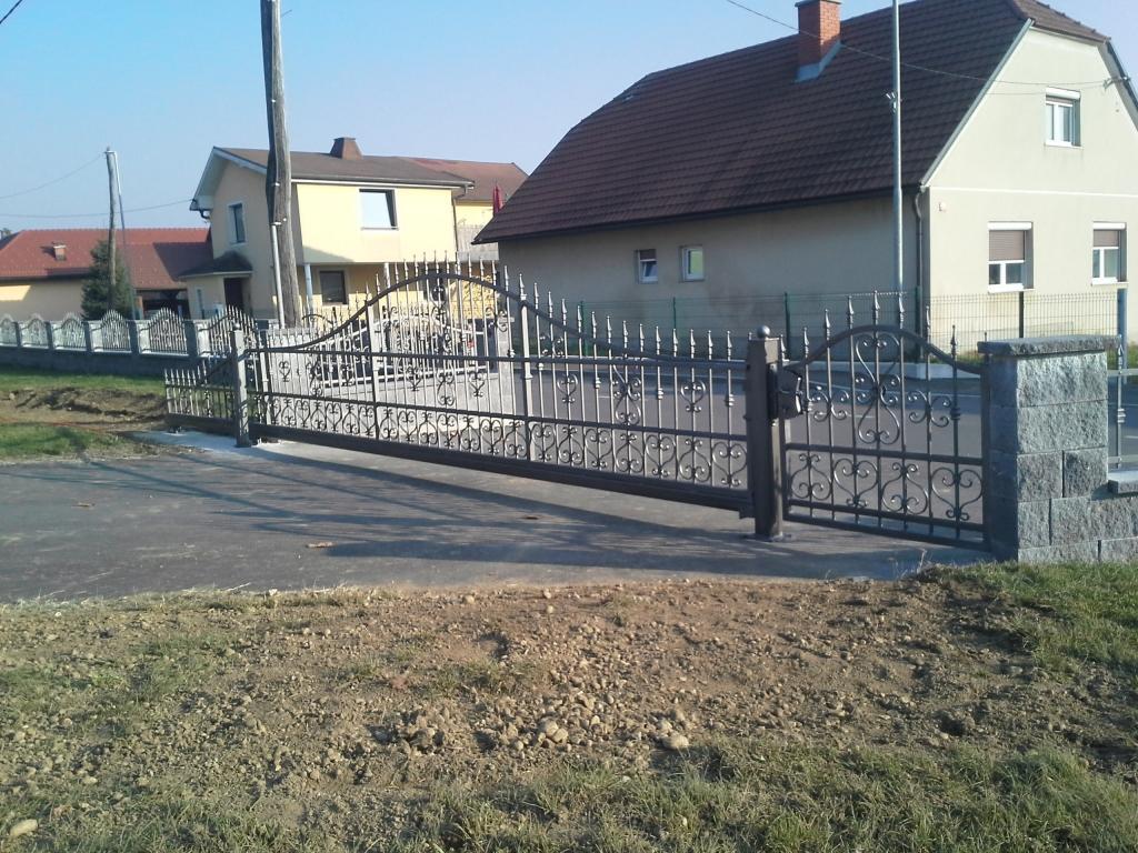 Izdelava, montaža unikatnih kovanih ograj, unikatne kovane ograje gallery photo no.3