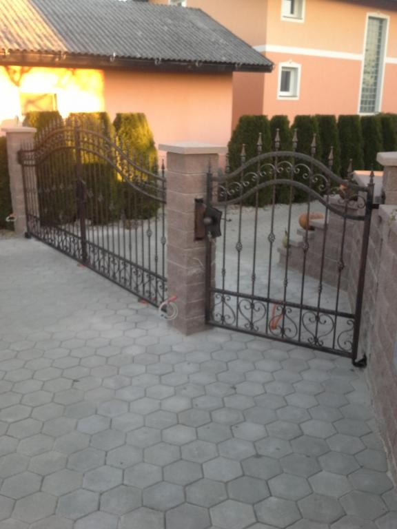 Izdelava, montaža unikatnih kovanih ograj, unikatne kovane ograje gallery photo no.4