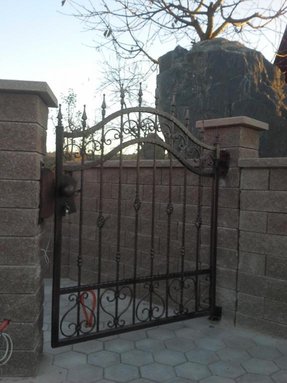 Izdelava, montaža unikatnih kovanih ograj, unikatne kovane ograje gallery photo no.5