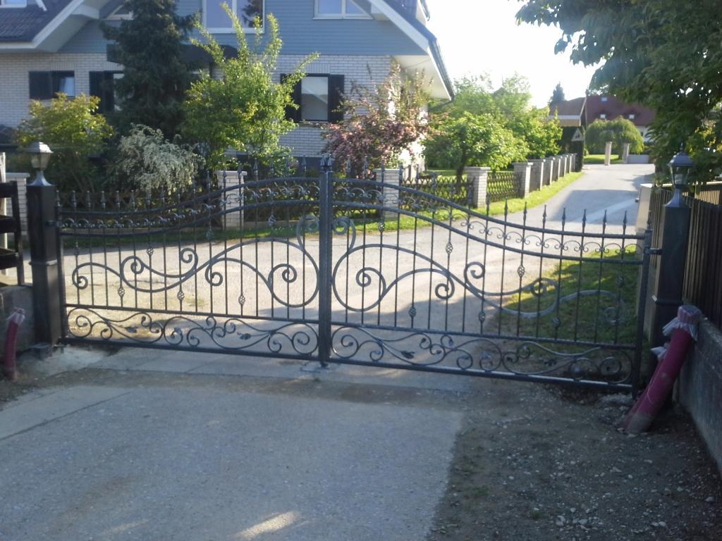 Izdelava, montaža unikatnih kovanih ograj, unikatne kovane ograje gallery photo no.13
