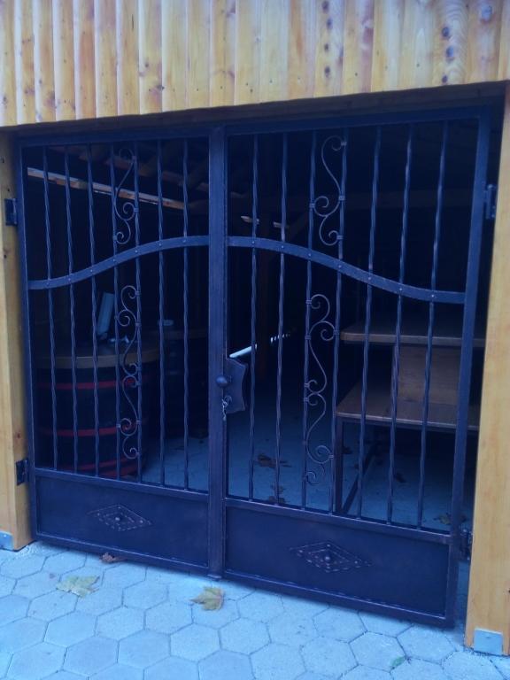 Izdelava, montaža unikatnih kovanih ograj, unikatne kovane ograje gallery photo no.21