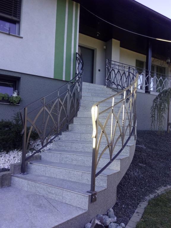 Izdelava, montaža unikatnih kovanih ograj, unikatne kovane ograje gallery photo no.22