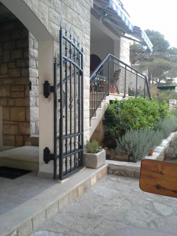 Izdelava, montaža unikatnih kovanih ograj, unikatne kovane ograje gallery photo no.24
