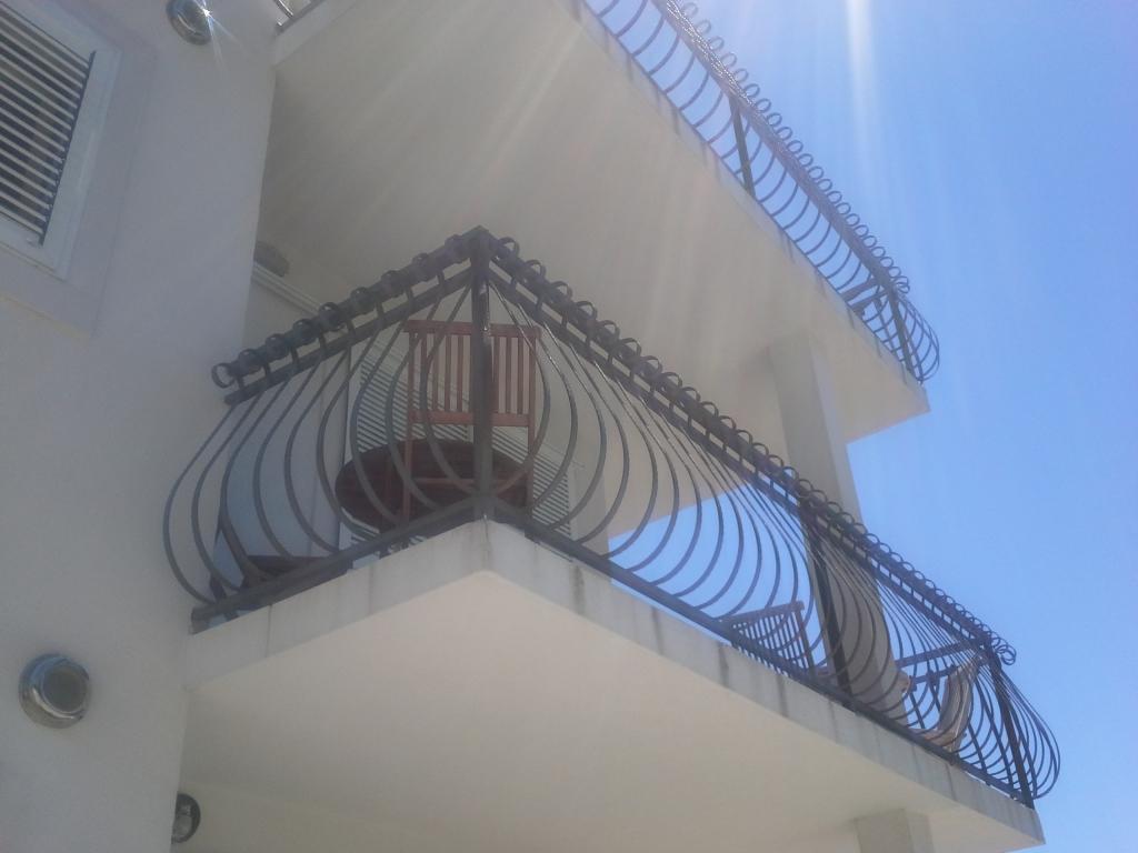 Izdelava, montaža unikatnih kovanih ograj, unikatne kovane ograje gallery photo no.25