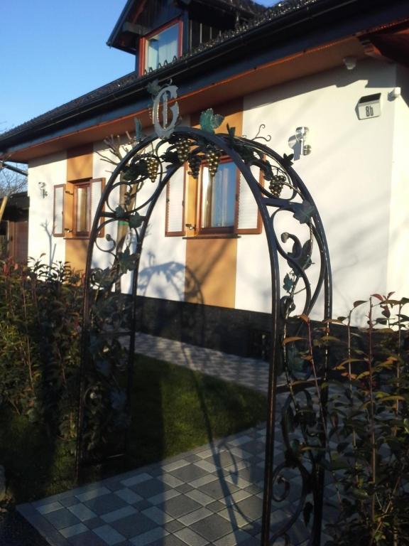 Izdelava, montaža unikatnih kovanih ograj, unikatne kovane ograje gallery photo no.78
