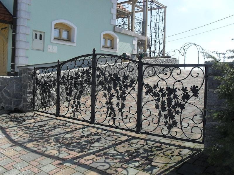 Izdelava, montaža unikatnih kovanih ograj, unikatne kovane ograje gallery photo no.87