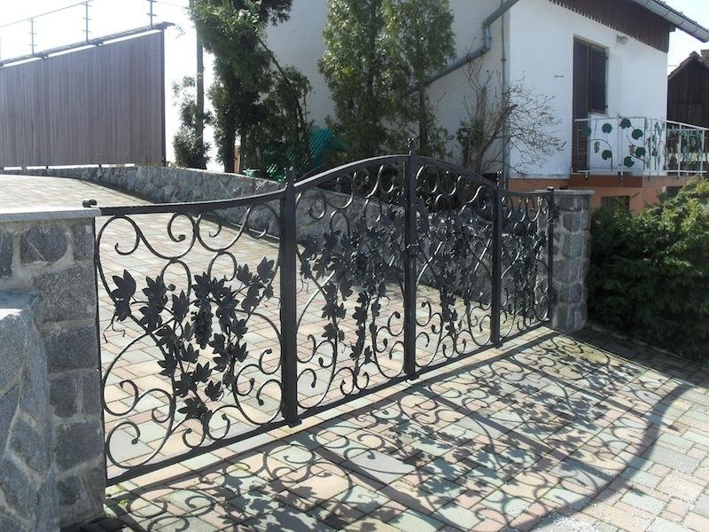 Izdelava, montaža unikatnih kovanih ograj, unikatne kovane ograje gallery photo no.88