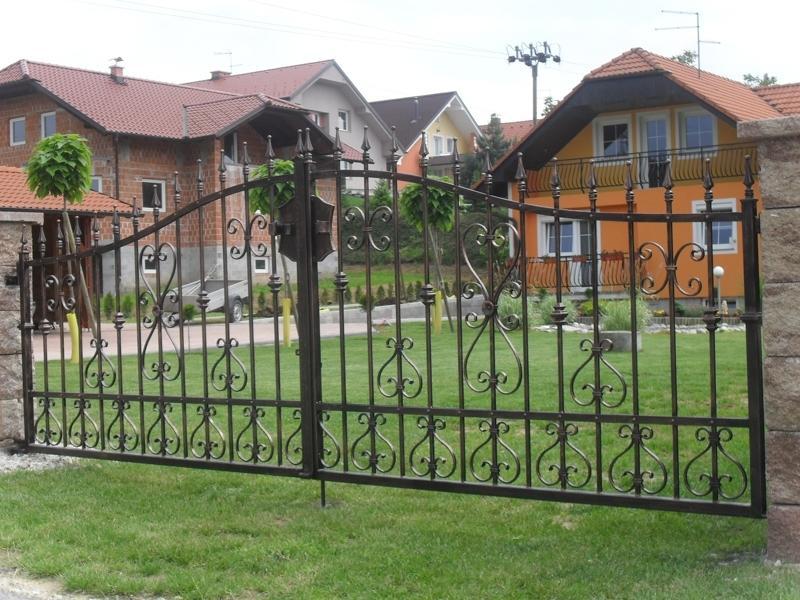Izdelava, montaža unikatnih kovanih ograj, unikatne kovane ograje gallery photo no.89