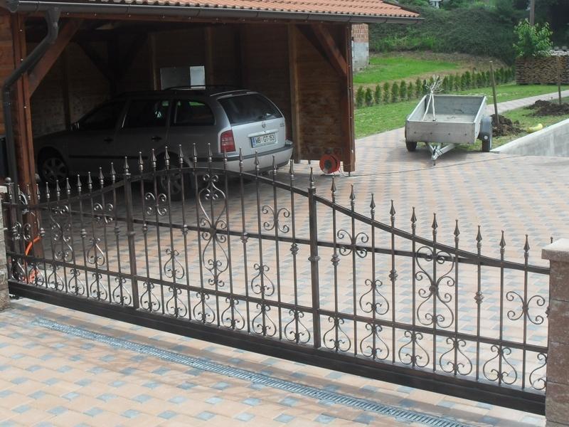 Izdelava, montaža unikatnih kovanih ograj, unikatne kovane ograje gallery photo no.90