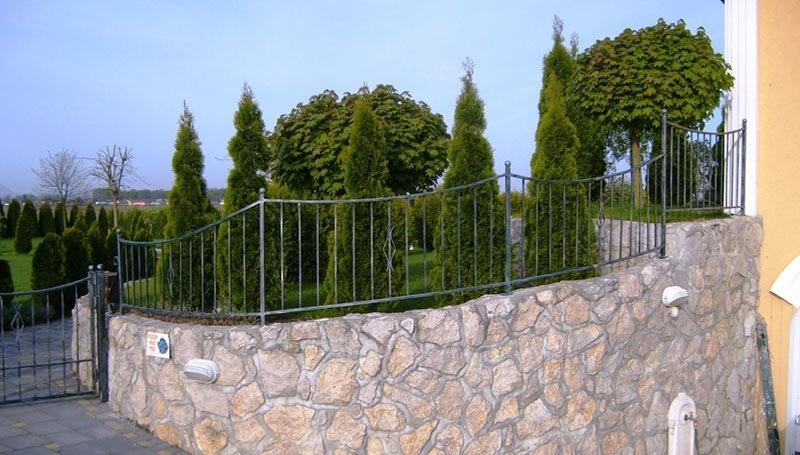 Izdelava, montaža unikatnih kovanih ograj, unikatne kovane ograje gallery photo no.108