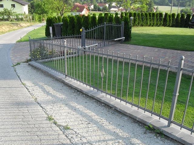 Izdelava, montaža unikatnih kovanih ograj, unikatne kovane ograje gallery photo no.110