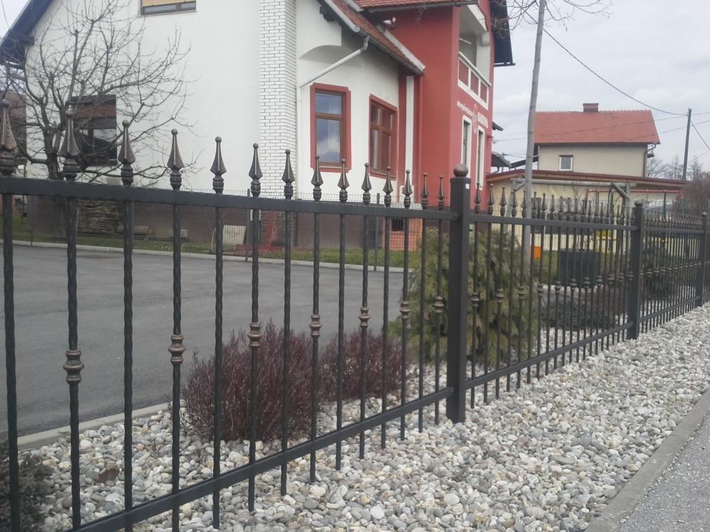 Izdelava, montaža unikatnih kovanih ograj, unikatne kovane ograje gallery photo no.186