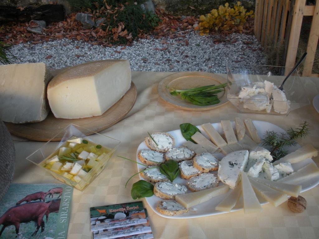 Izdelki iz kozjega mleka, Kmetija Žerjal, Kras gallery photo no.10