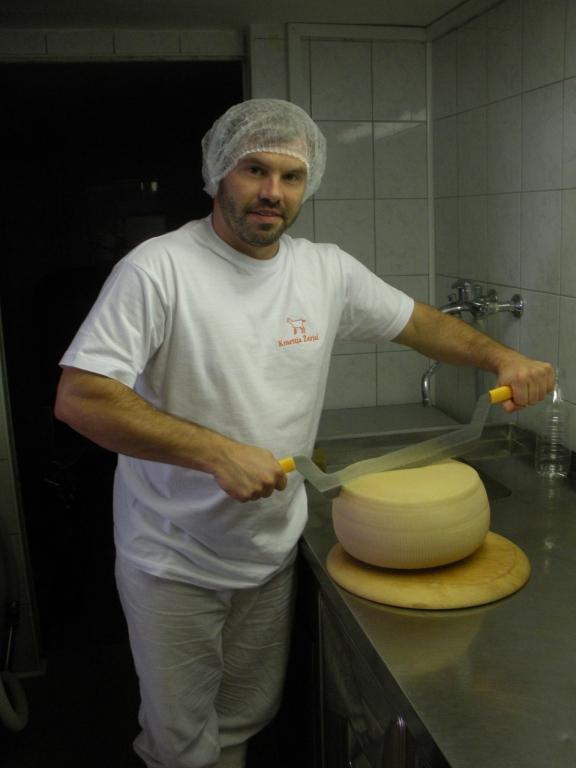 Izdelki iz kozjega mleka, Kmetija Žerjal, Kras gallery photo no.20