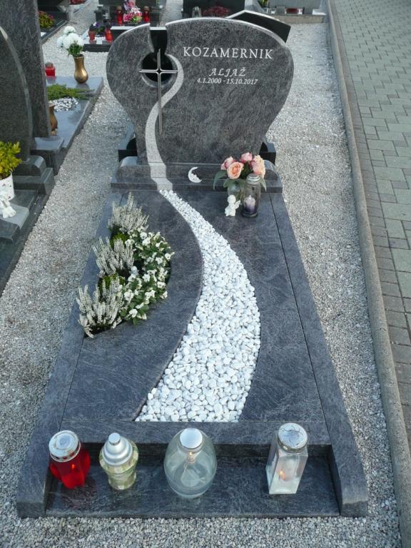 Klesanje črk v nagrobne spomenike, nagrobni spomeniki Gorenjska - klesanje.si gallery photo no.34