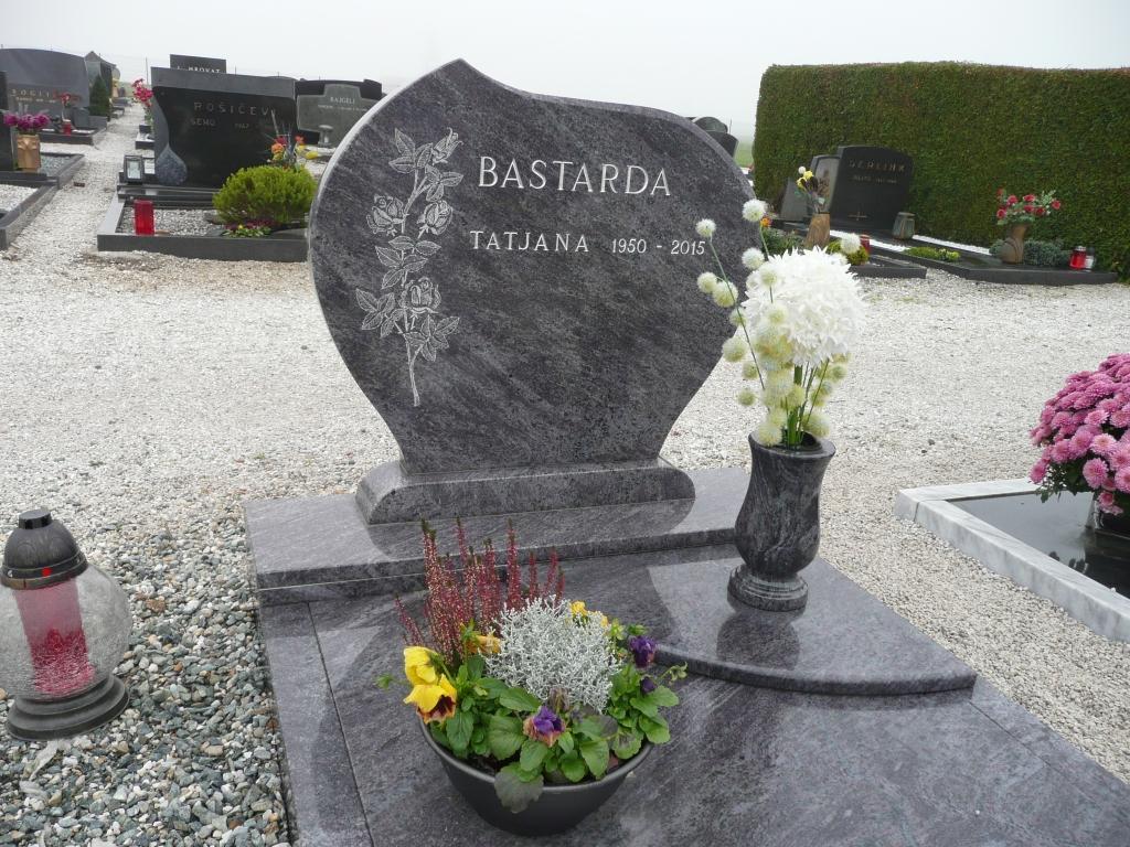 Klesanje črk v nagrobne spomenike, nagrobni spomeniki Gorenjska - klesanje.si gallery photo no.1